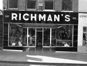 Stores Warren St Hudson NY 1953 (4)