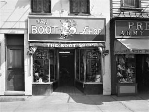 Stores Warren St Hudson NY 1953 (5)