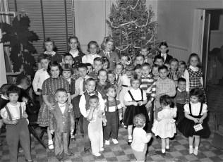 Niagara Mohawk Xmas Party Hudson 1956 (2)