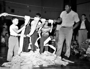 Xmas activities at the Hudson Boy's Club 1956 (2)