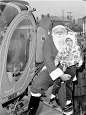 Santa arrives in Hudson by  helicopter 1963 (3)