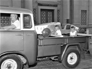 Soap Box Derby parade Hudson 1960 (2)