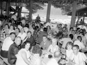 Pocketbook Factory Union Local 24 Barbeque 1965 (4)