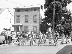 Dept. of Youth 50 Lap Bicycle Race 3rd & State St. Hudson 1976 (2)