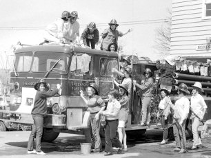 CMH 1969 Student Nurse's Car Wash at Greenport Rescue (1)