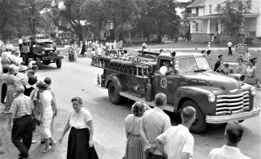 Col. Cty Volunteer Fireman's Parade Livingston 1958 (13)