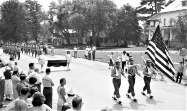 Col. Cty Volunteer Fireman's Parade Livingston 1958 (9)