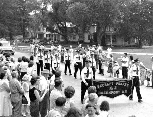 Col. Cty Volunteer Fireman's Parade Livingston 1958 (9A)