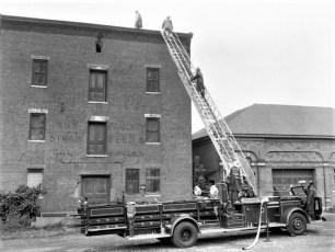 Multi Fire Company Emergency Water Test Warren St. Hudson 1964 (1)