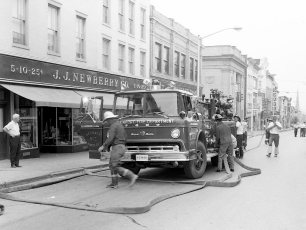 Multi Fire Company Emergency Water Test Warren St. Hudson 1964 (3)