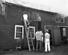 G'town Fire Charles Kronke's chicken barn Apr. 1951 (2)