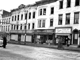 Hudson Fire Sunkist Super Market Dec. 1954 (1)