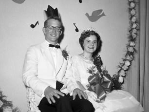GCS Jr. Prom 1963 Queen Barbara Moore King  Leland Crawford (2)