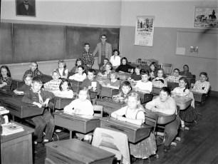 GCS 4th Grade moving day 1958 (2)