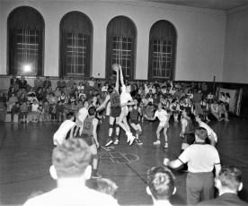 GCS 1957 Basketball at home (2)