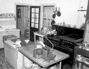 Elmwood Inn Rts. 22 & 23 Hillsdale 1958 (5)