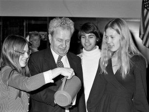 Howard with GCS students 1974