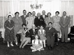 Lloyd Boice seated right Hover, Coons family 1946