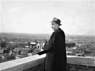 Sam Rowles roof of Col Memorial 1953