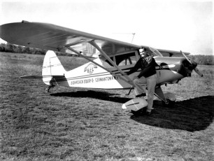 Warren Bohnsack with BECO airplane 1957 (2)