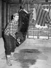 Otis Barringer with Catskill Mt. black bear 1970
