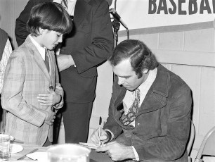 Elk's LL Awards Banquet with NY Yankee Mike Kekich 1972 (6)
