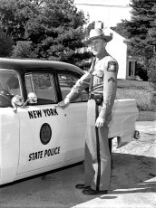 NYS Troopers with new patrol car 1955 (2)