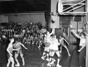 Roe Jan Central Basketball 1957 (2)