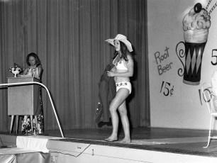 Fashion Show St. Mary's Academy Hudson 1973 (1)
