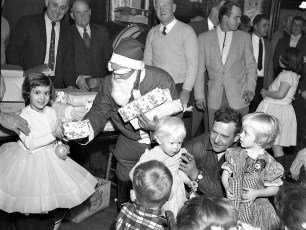 Clermont Fire Dept. Xmas Party 1956 (1)