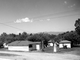 Waterview Cosy Cabins Clermont 1949 (3)