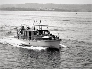 Dr Henry's yacht at Anchorage 1949 (2)