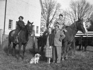 Gene Sarazen & family G'town 1949
