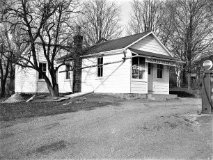 Ostoyich Store Rt 9G G'town 1949