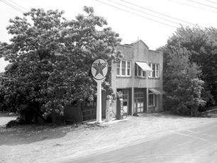 Stanley Miller garage 1949 unsharp off