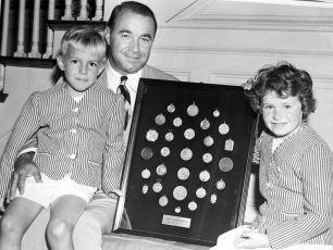 Gene Sarazen and children 1950