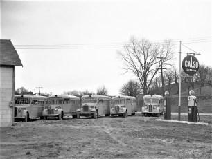 Jay Moore's school bus fleet Rt 9G G'town 1950 (2)