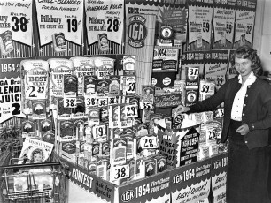 Judy Lasher entering win a car contest at G'town IGA 1954