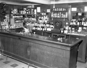 Central House Hotel Robert Dixon, new Prop. G'town 1958 (4)
