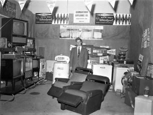 G'town Appliance Co. Warren Liepshutz Prop. 1958