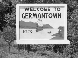 Welcome to G'town sign recently dedicated 1959