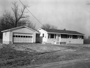 Compton Hover spec house G'town Nov 1960