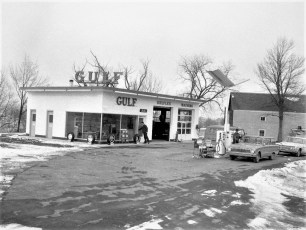 Gray's Gulf Station 9G G'town 1965 (1)
