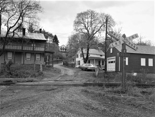 Cheviot RR Crossing G'town 1976