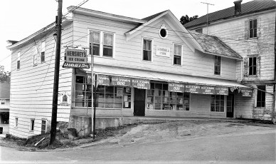 Grandjula Store G'town 1972 (1)
