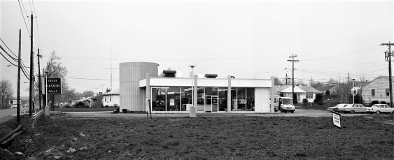 Ideal Cleaners Fairview Ave. Greenport 1971 (1)