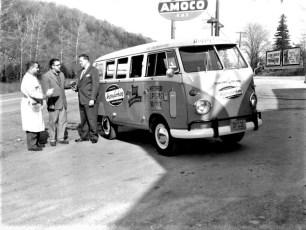 Mt. Merino Sales delivers new VW Bus 1958 (1)