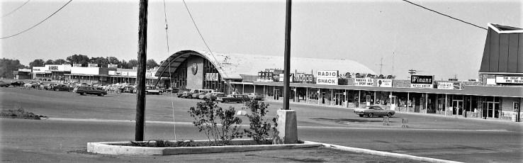 Shop Rite Parking Lot Businesses Greenport 1974 (2)