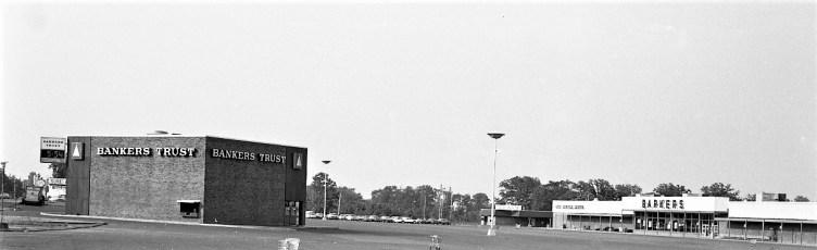 Shop Rite Parking Lot Businesses Greenport 1974 (6)
