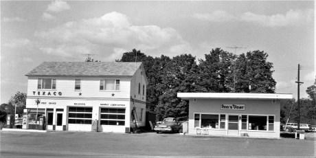 Ann's Diner & Gas Station Rt. 82 1964 (2)